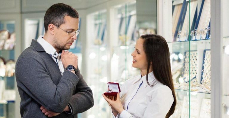 What Are The Benefits Of Buying A Proposal Ring Online?
