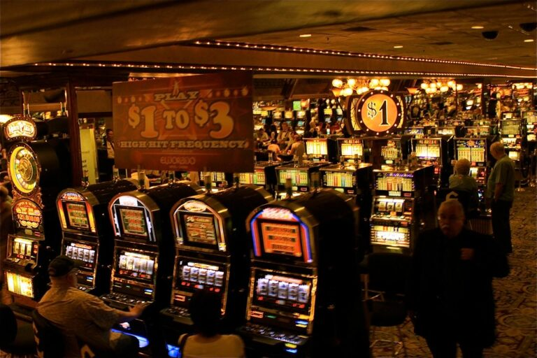 Why online slot games are becoming popular